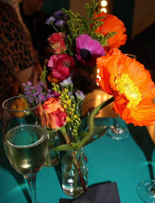 champagne-and-flowers
