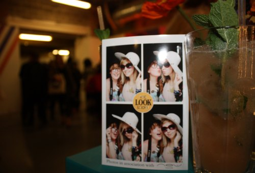 Peach-mojitos-and-photobooth-pics